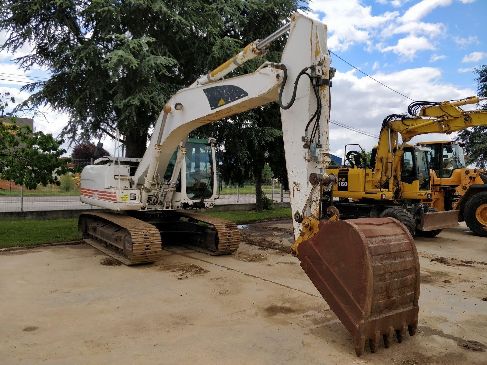 Tracks excavator CATERPILLAR 320 C - Codimatra<br />