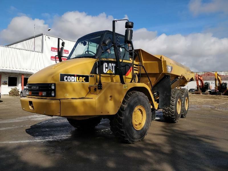 Articulated dump truck CATERPILLAR 725 - Codimatra<br />