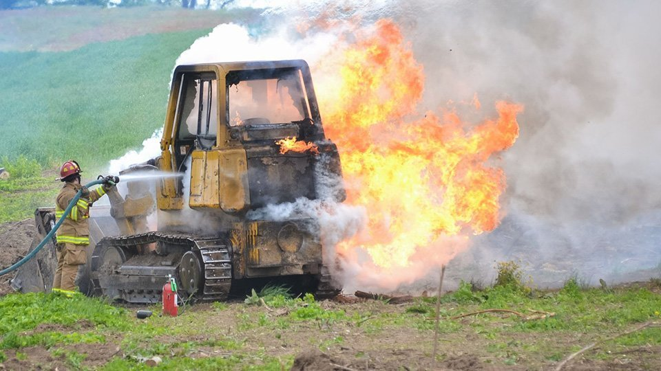 Beware of the risk of machine fires on construction sites !