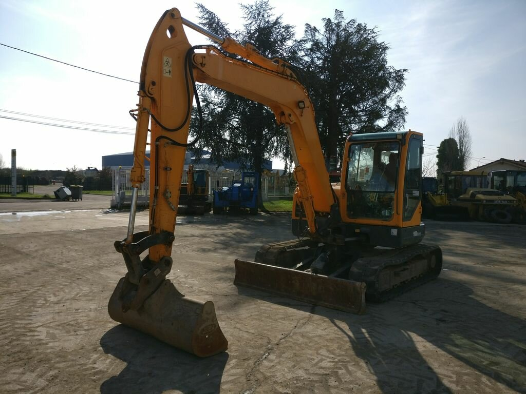 Mini excavators on tracks HYUNDAI R80CR-9