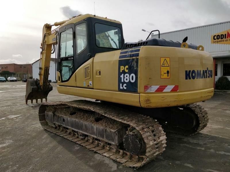 Tracks excavator KOMATSU PC180-7