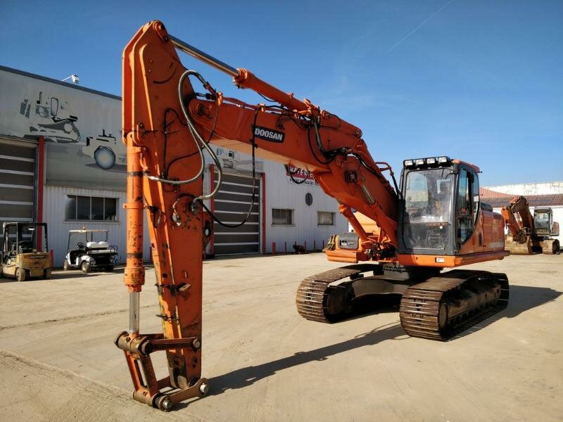 Tracks excavator DOOSAN - DAEWOO DX235NLC