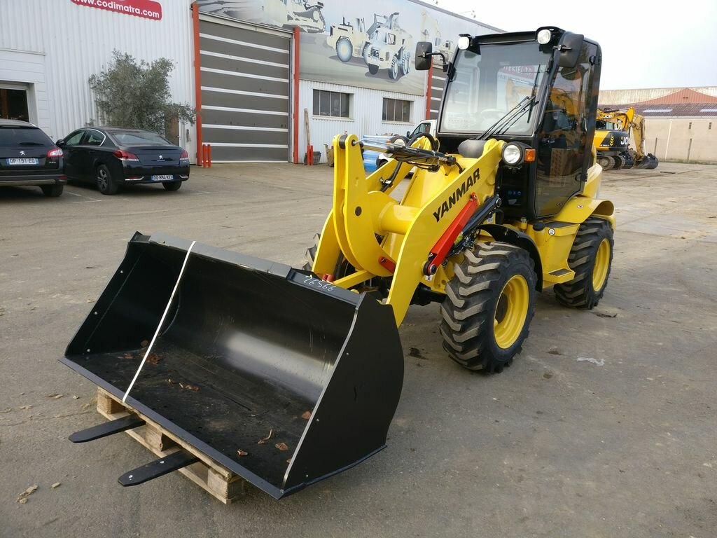 Wheel loader YANMAR V8