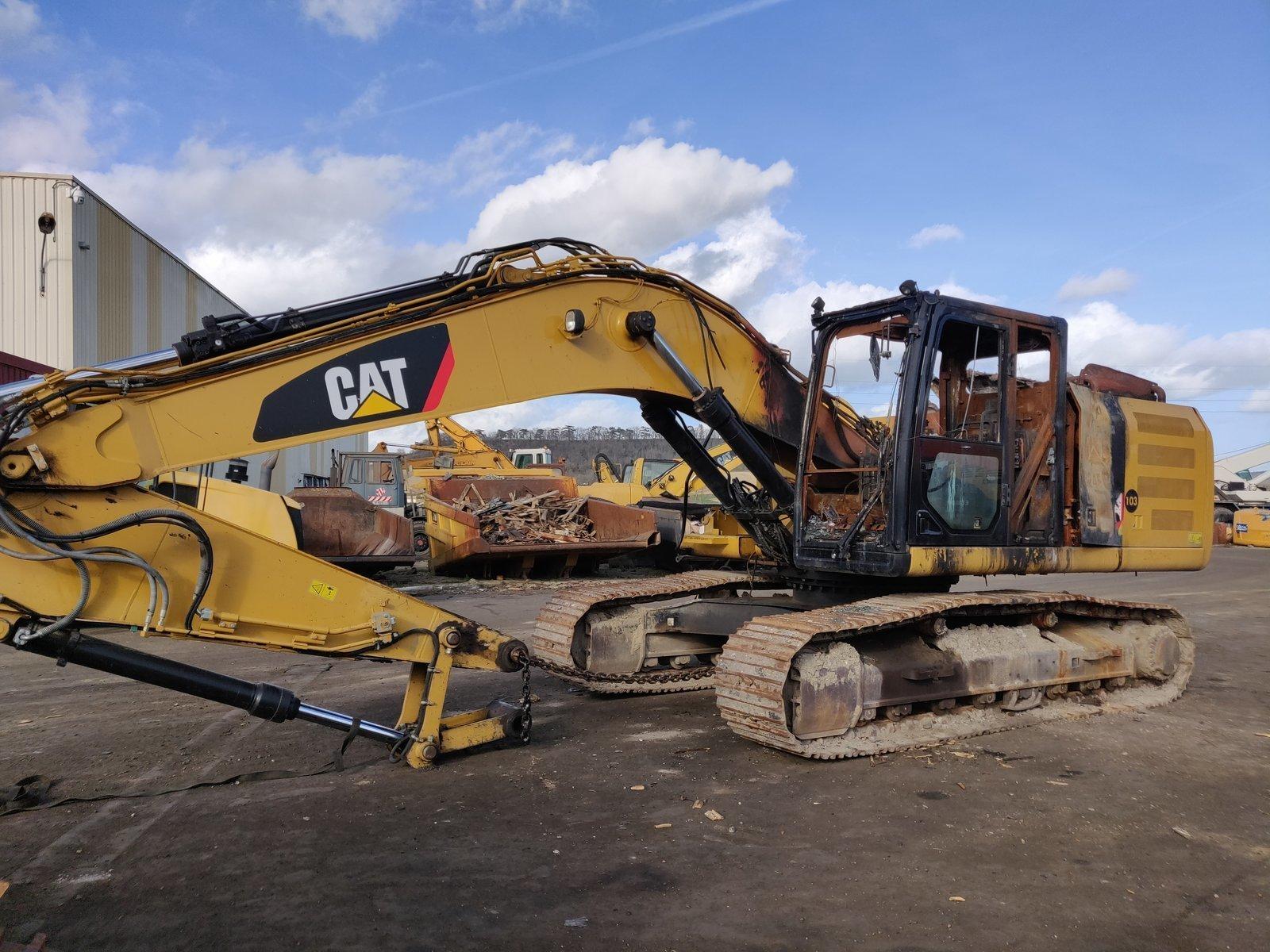 Tracks excavator CATERPILLAR 324ELN