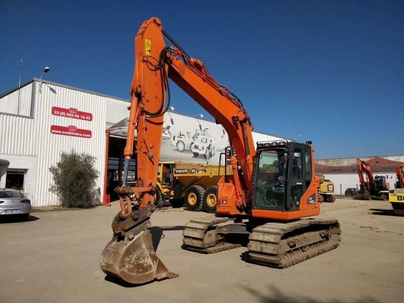 Tracks excavator DOOSAN (DAEWOO) DX140LCR-3