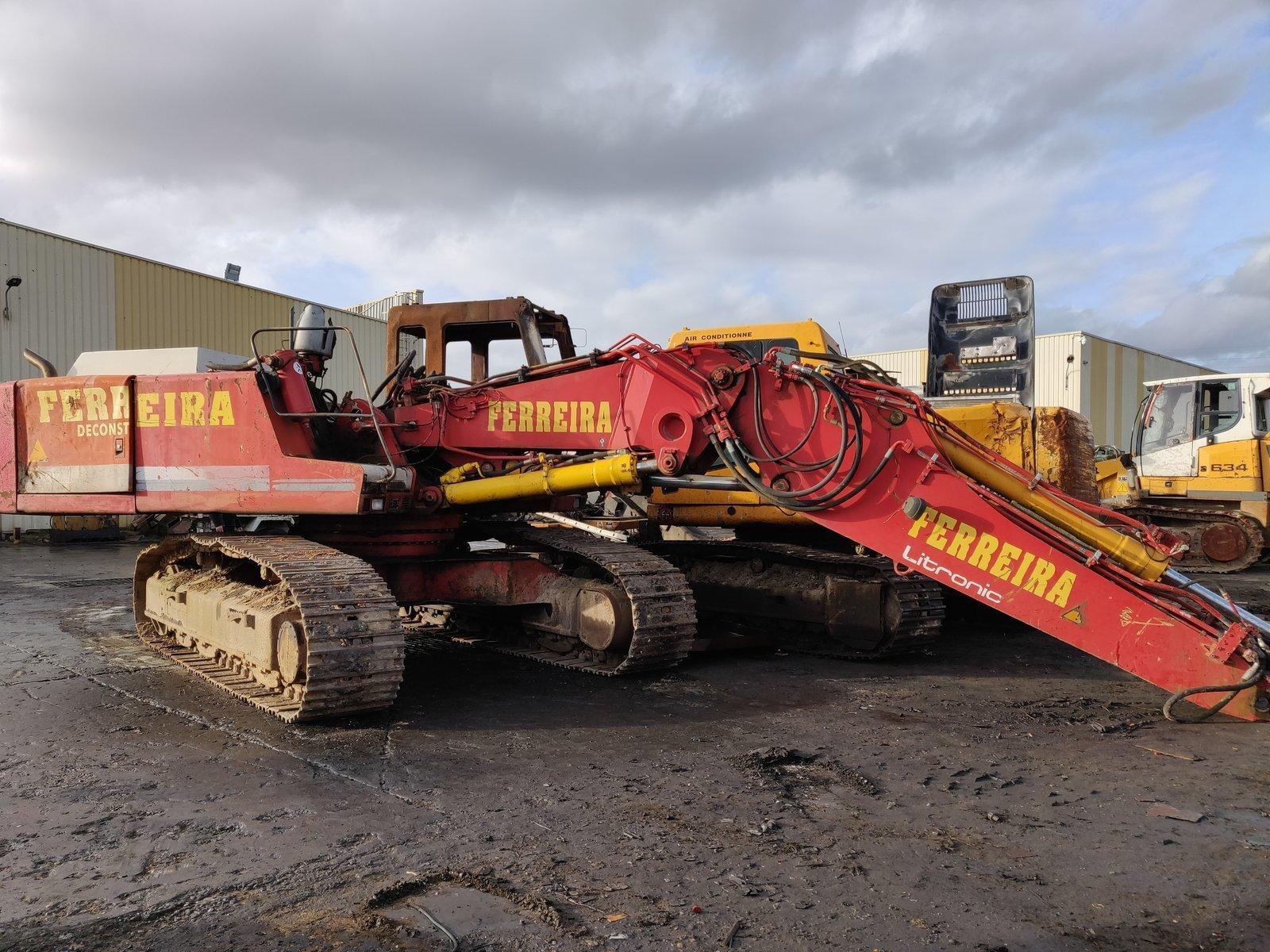 Tracks excavator LIEBHERR R934HDS