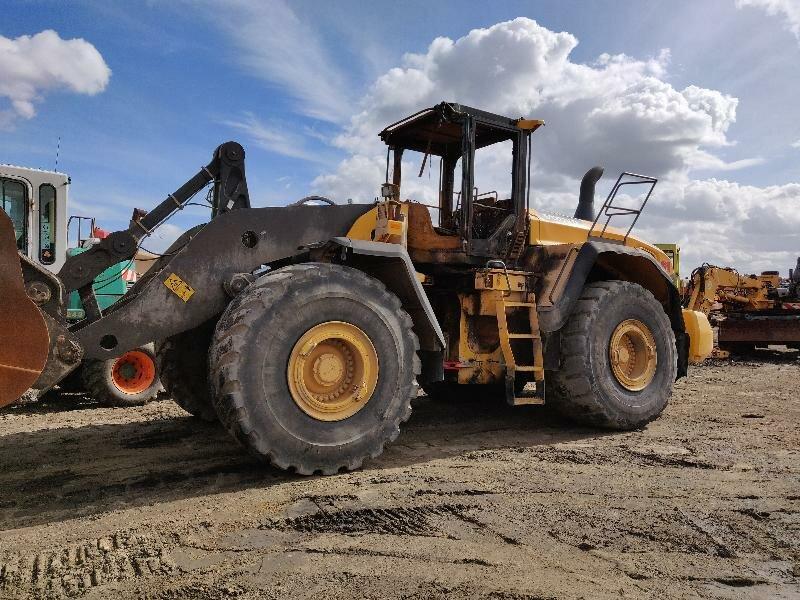 Wheel loader VOLVO L220G