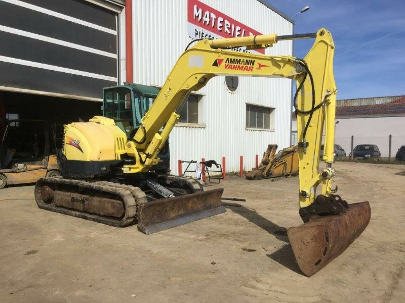 Mini excavators on tracks YANMAR SV100
