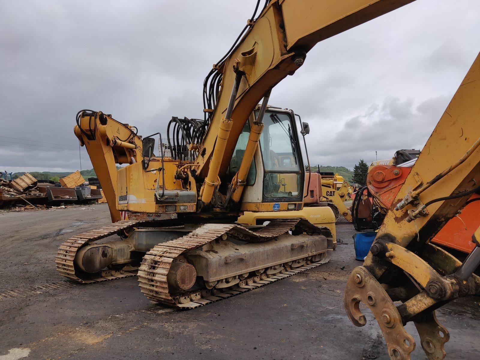 Tracks excavator LIEBHERR R914