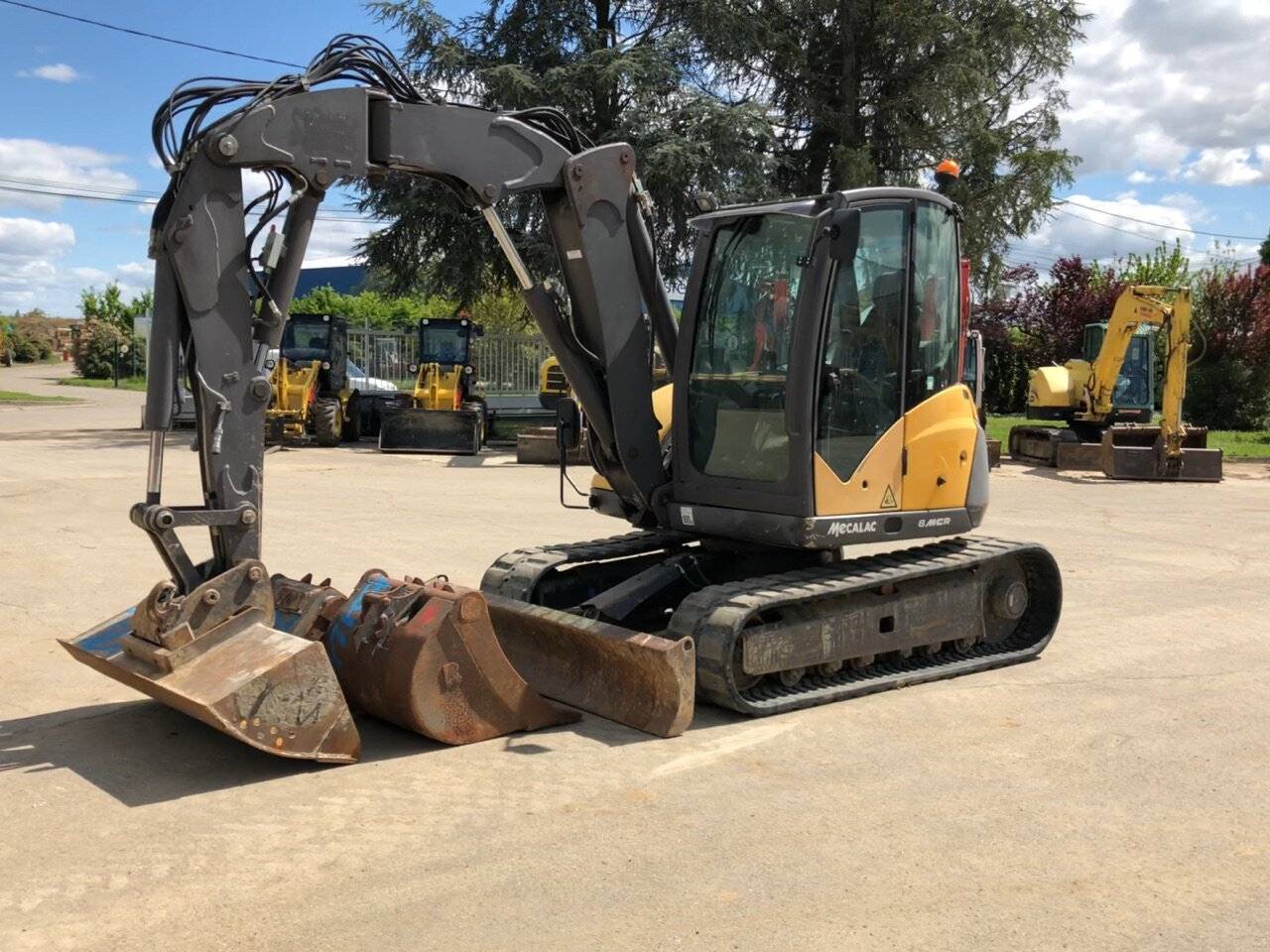 Mini excavators on tracks MECALAC 8MCR