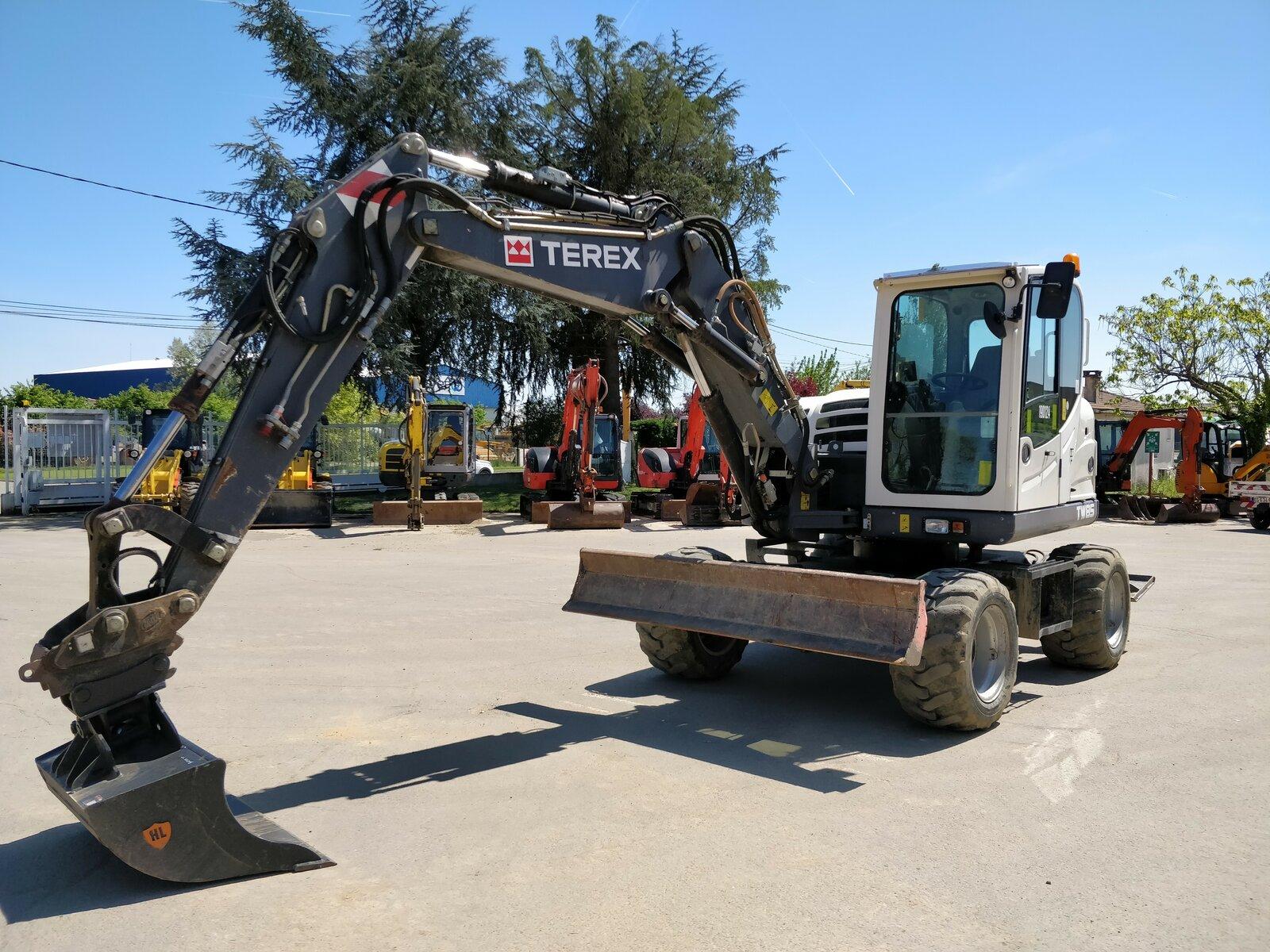 Wheel excavator TEREX TW85