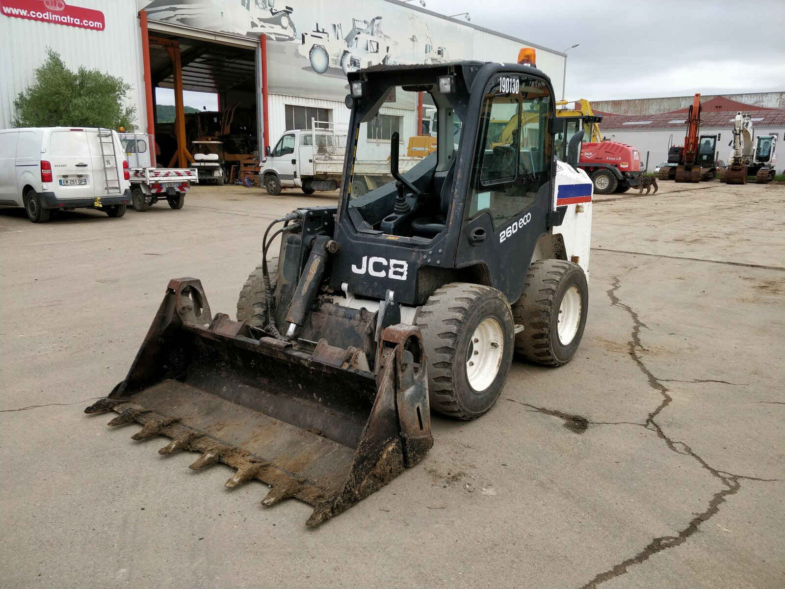 Compact wheel loaders JCB T260