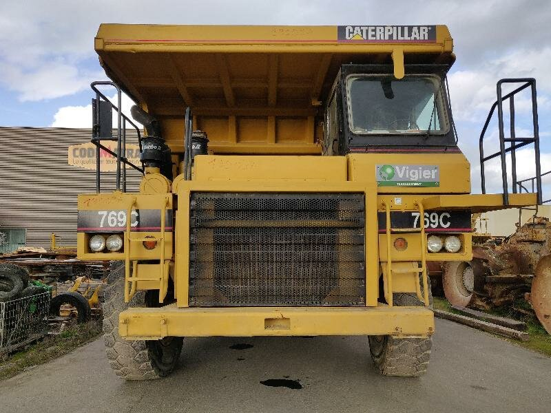 Rigid dump truck CATERPILLAR 769C