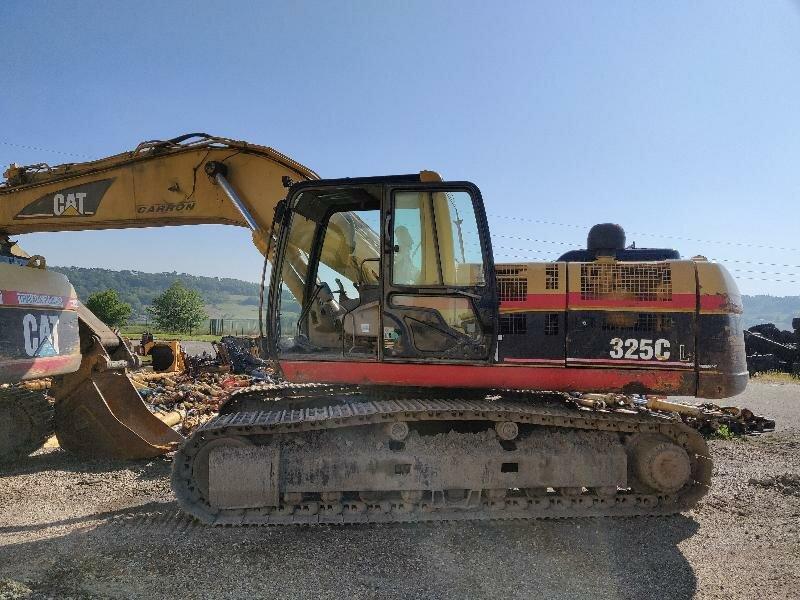 Tracks excavator CATERPILLAR 325C