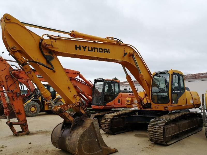 Tracks excavator HYUNDAI R290 LC-3