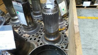 Wheel spindle for VOLVO A20