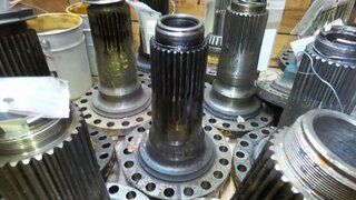 Wheel spindle for VOLVO A25