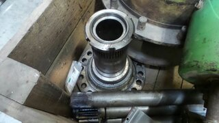 Wheel spindle for TEREX 2566