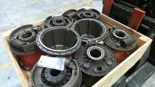 Wheel spindle for O&K F106A