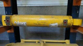 Bucket cylinder for HANOMAG 77C