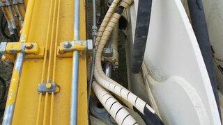 Offset cylinder for LIEBHERR A312