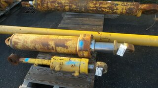 Lift cylinder for CATERPILLAR 773B