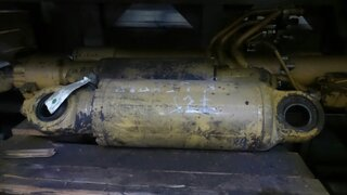 Suspension cylinder for CATERPILLAR 725