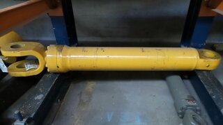 Arm lift cylinder for LIEBHERR L554