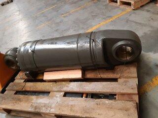 Digging cylinder for VOLVO L180E