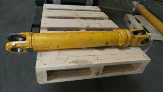Steering cylinder for VOLVO A30D
