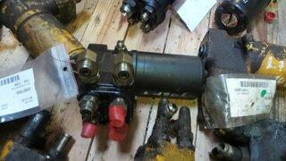 Steering unit for VOLVO L180E