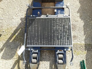 Radiator cooling for LIEBHERR R914B