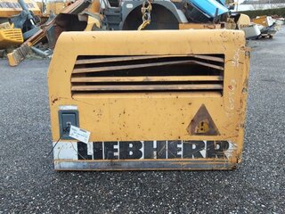 Compartment door for LIEBHERR A904