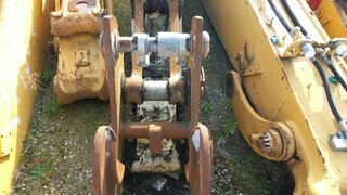 Quick coupler for LIEBHERR A312