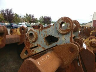 Quick coupler for VOLVO EC240B