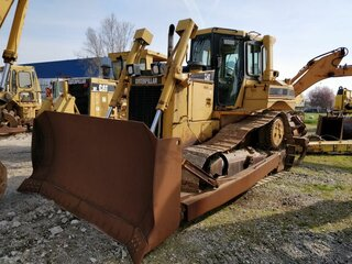 Bulldozer blade for CATERPILLAR D6RXL