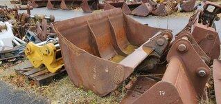Ditching bucket for LIEBHERR R924C