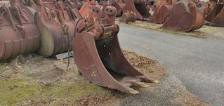 Trenching bucket for CASE 688