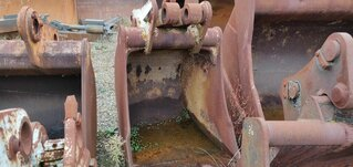 Trenching bucket for CASE 888