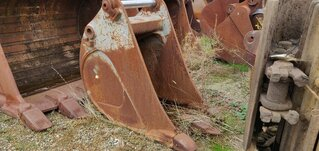Trenching bucket for LIEBHERR R944C