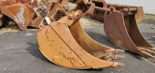 Trenching bucket for CASE 688B