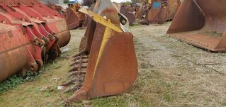 Loader bucket for CATERPILLAR 963B