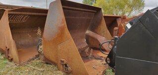 High dump bucket for LIEBHERR L550