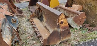 Multi-purpose-bucket for CASE 580G