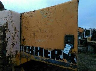 Compartment door for LIEBHERR R934HDSL