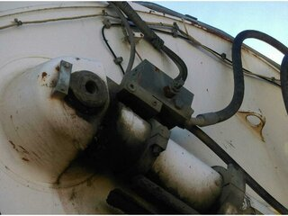 Hydraulic pressure relief valve for LIEBHERR R954CSHD