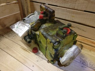 Hydraulic main pump for CATERPILLAR 924F