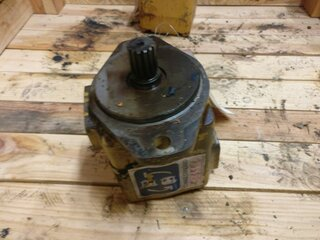 Hydraulic main pump for CATERPILLAR 963