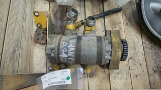 Hydraulic main pump for CHAMPION 710A
