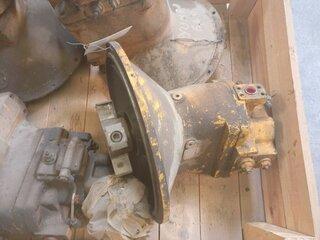 Hydraulic main pump for DRESSER - IH 650
